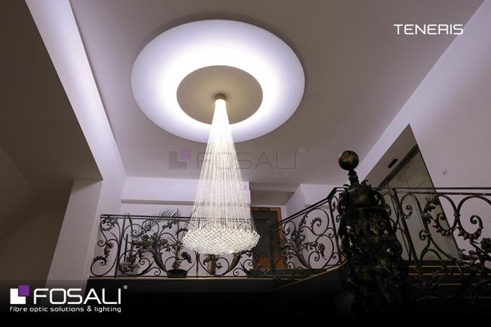 La sublime lampe Teneris par Fosali, fabricant de luminaires artisanaux en fibre optique.