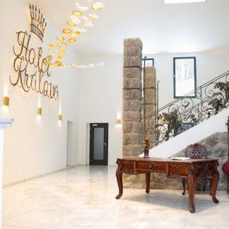 Installation Lumineuse LED et spots INFINITO SCULPTURE - FOSALI